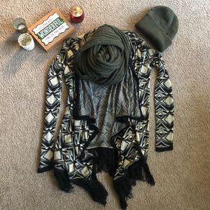 Light weight geo print fringe sweater